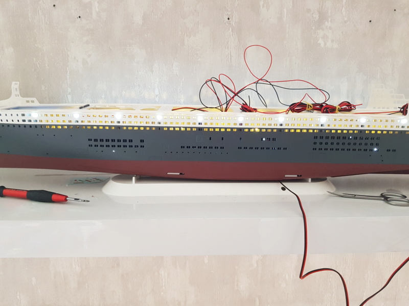 Queen Mary 2 mit LED-Beleuchtung / Revell, 1:400 - Seite 3 20200781