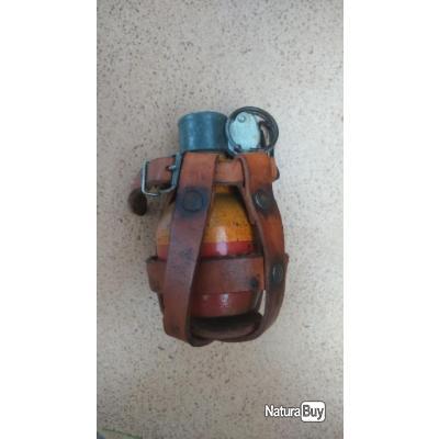 Grenade et porte grenade  0b018b10