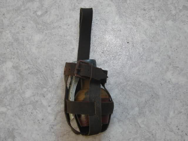 Grenade et porte grenade  De5b4b10