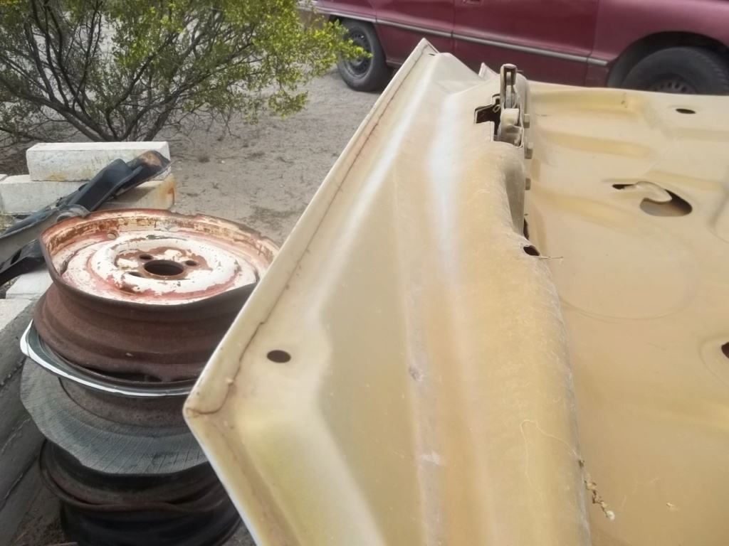 73 Chevelle trunk lid 100_6712