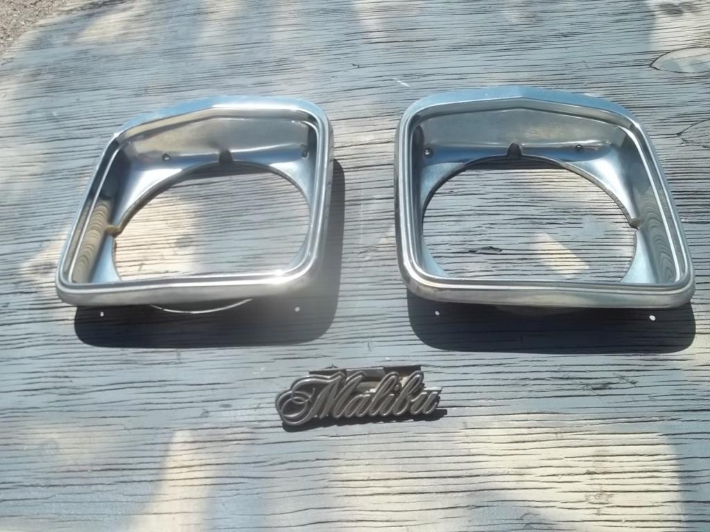 1975 Style Headlight Bezels 100_6812