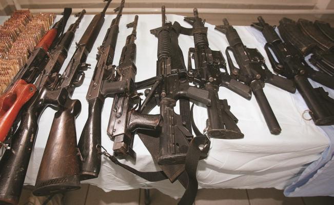 Galeria  Armamento decomisado. - Página 2 Armas-11