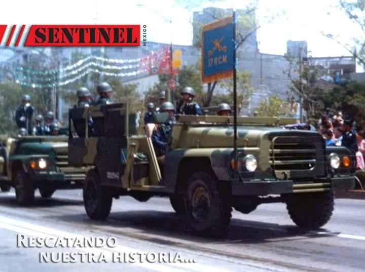 Vehículo de transporte de personal Dodge D300M Fb_img12