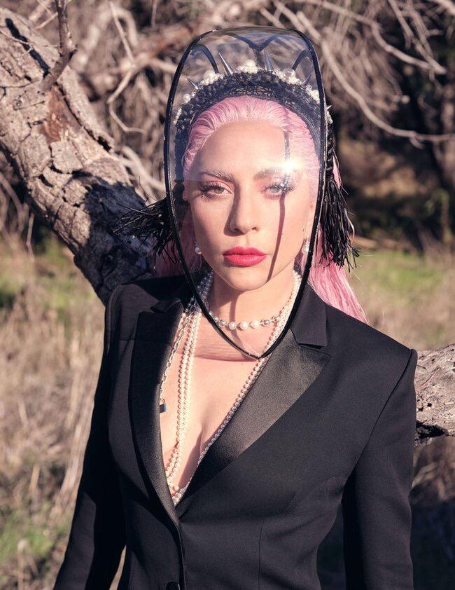 Lady Gaga - Σελίδα 11 03357910
