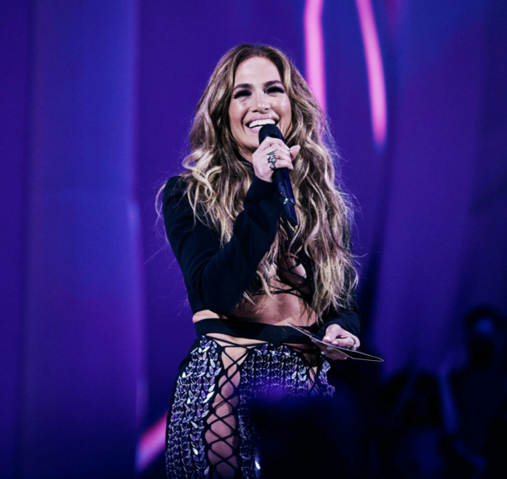 Jennifer Lopez - Σελίδα 19 168bd010