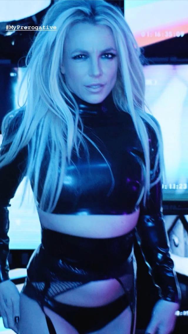 Britney Spears  - Σελίδα 16 1f3af310