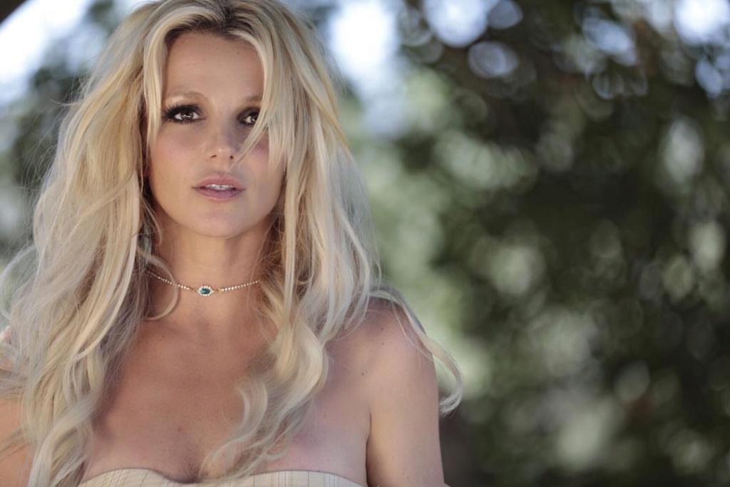 Britney Spears  - Σελίδα 16 3d6b7210