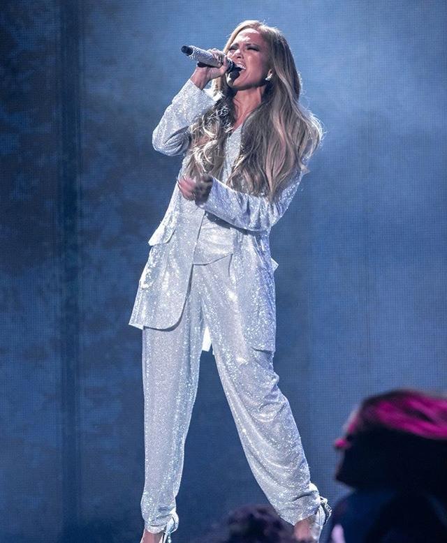 Jennifer Lopez - Σελίδα 17 41107a10