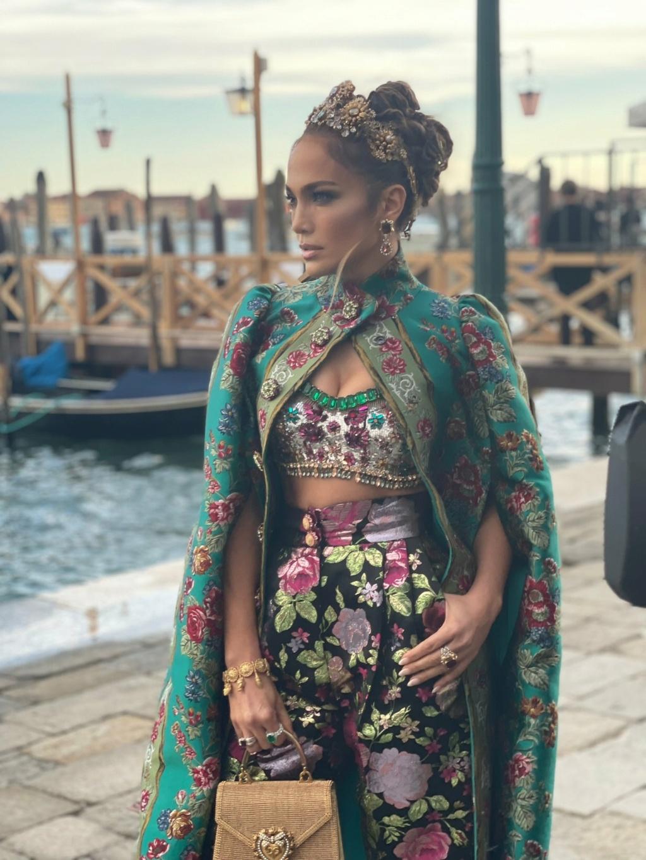 Jennifer Lopez - Σελίδα 18 67d37f10