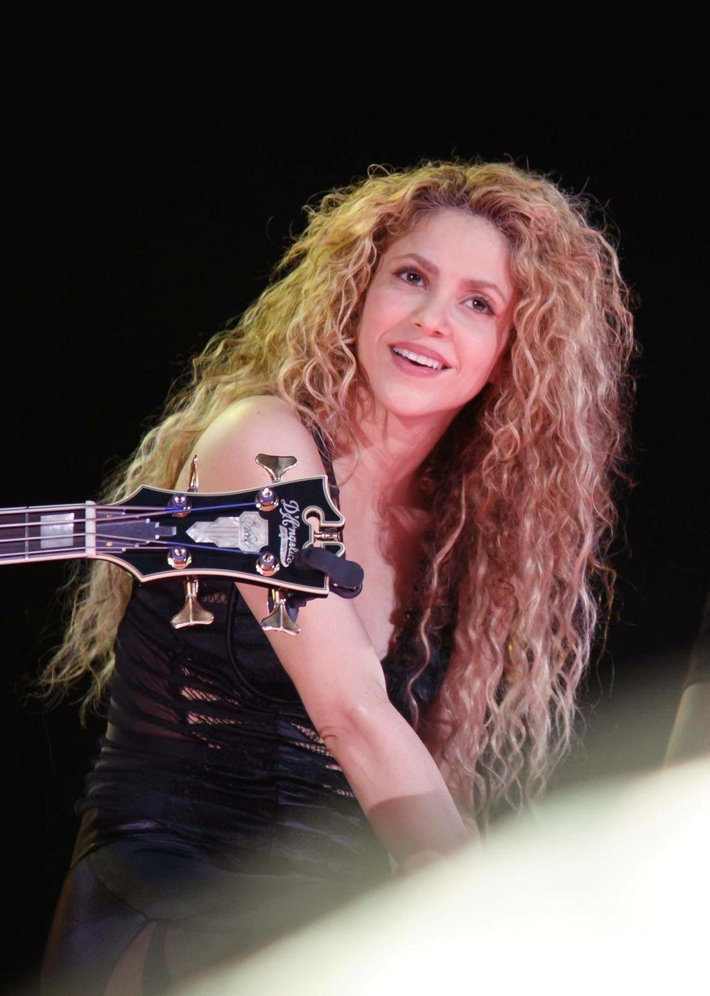 Shakira - Σελίδα 2 6d3a4d10