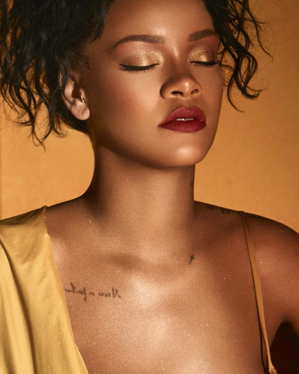 Rihanna  - Σελίδα 3 73c9b610
