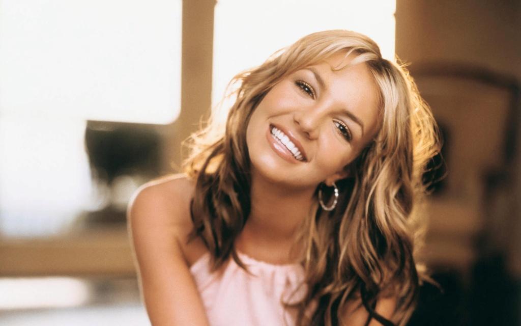 Britney Spears  - Σελίδα 24 7a5dd410