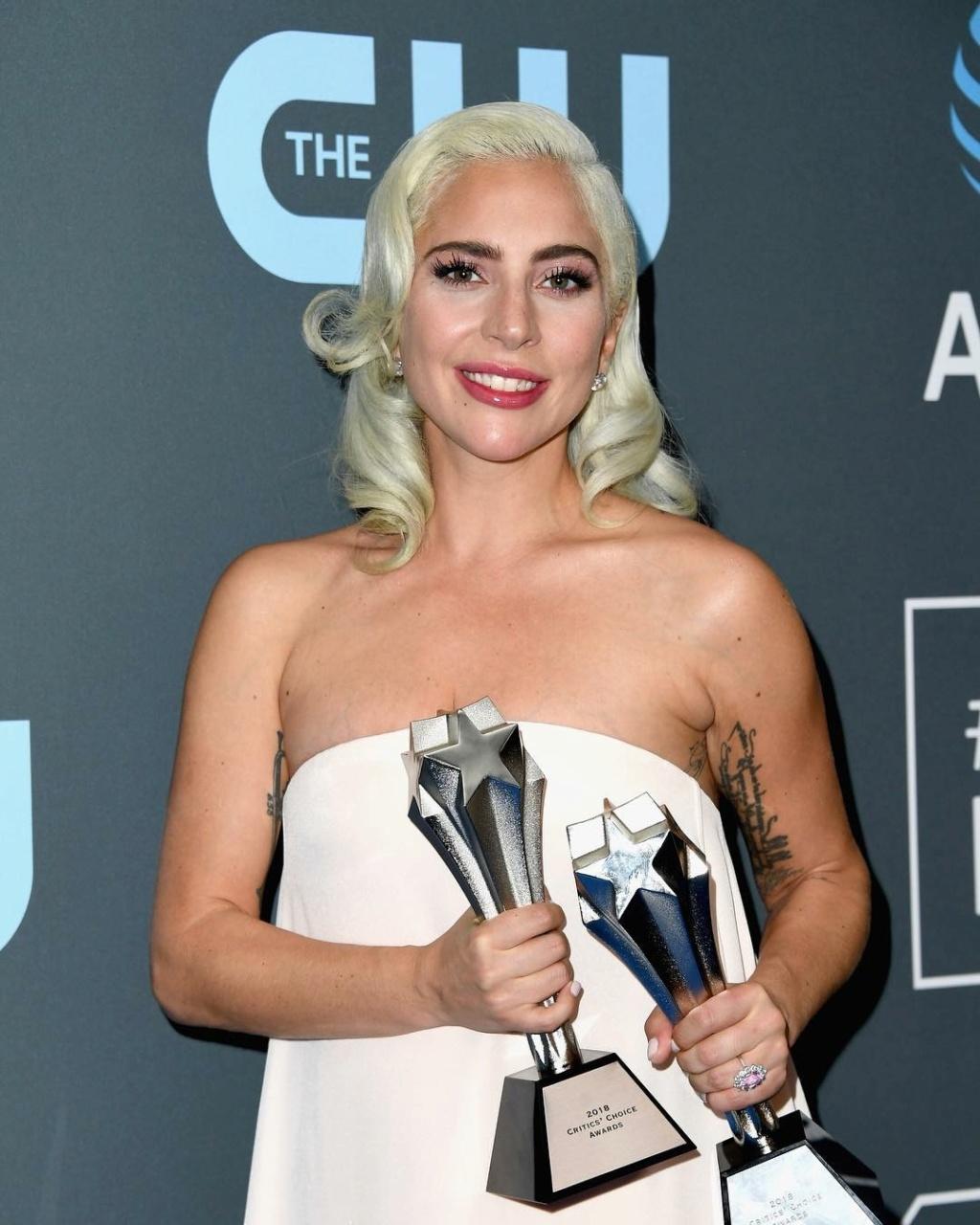 4 - Lady Gaga - Σελίδα 33 87107510