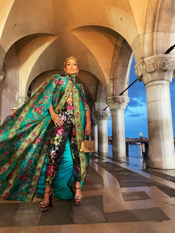 Jennifer Lopez - Σελίδα 18 A395bd10