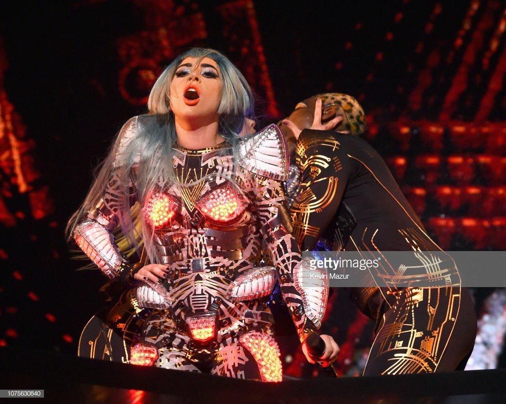 Lady Gaga - Σελίδα 29 Abb90810