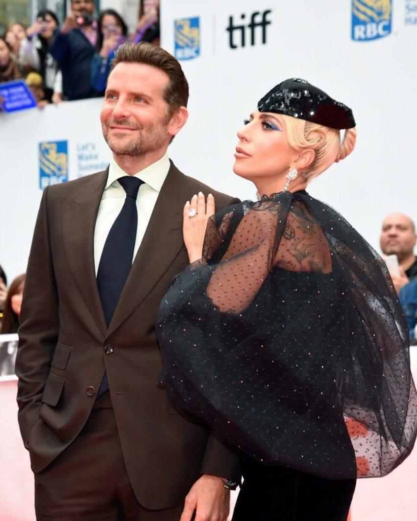 4 - Lady Gaga - Σελίδα 13 B1535c10