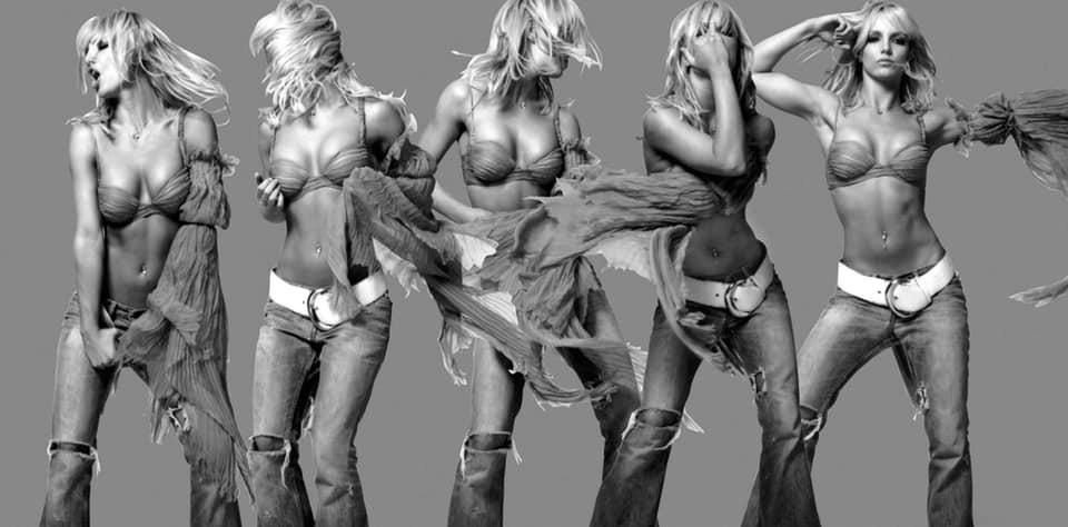 Britney Spears  - Σελίδα 19 C1eb5910