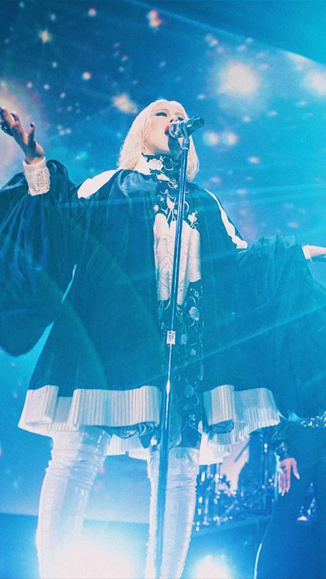 Christina Aguilera - Σελίδα 7 C27ee110