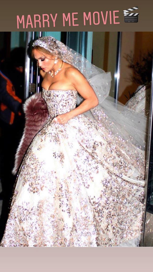 Jennifer Lopez - Σελίδα 36 D2565210