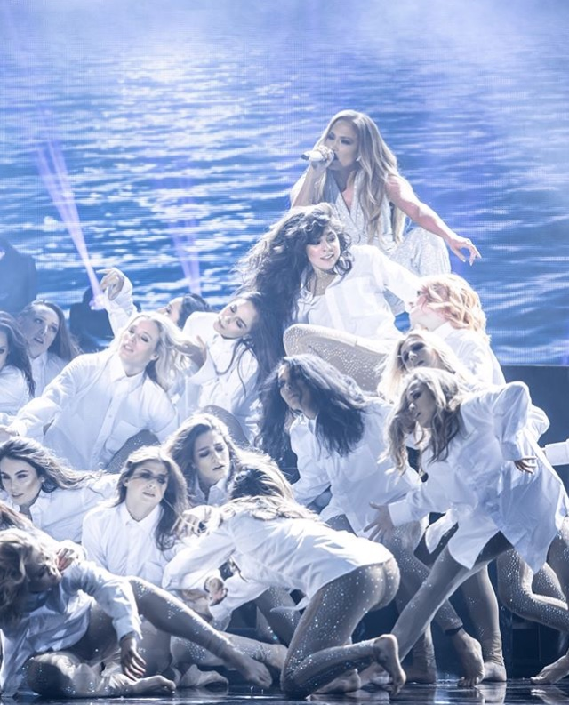 Jennifer Lopez - Σελίδα 17 E3b6a310