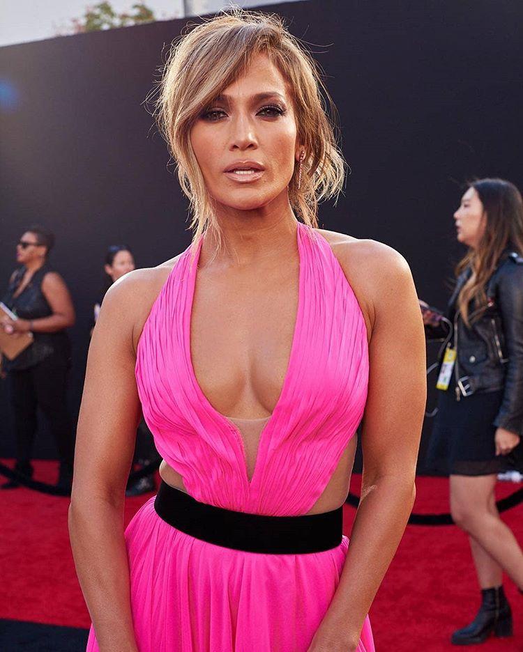 amas - Jennifer Lopez - Σελίδα 17 E916cc10