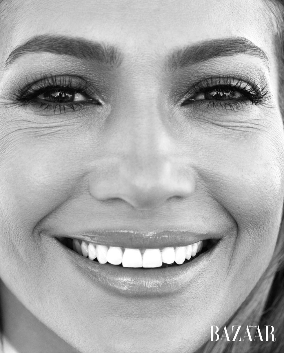 Jennifer Lopez - Σελίδα 22 Ebeead10