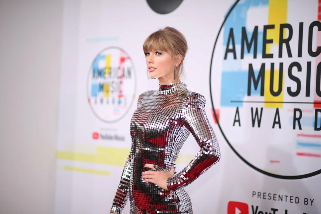 Taylor Swift - Σελίδα 5 F1e09710