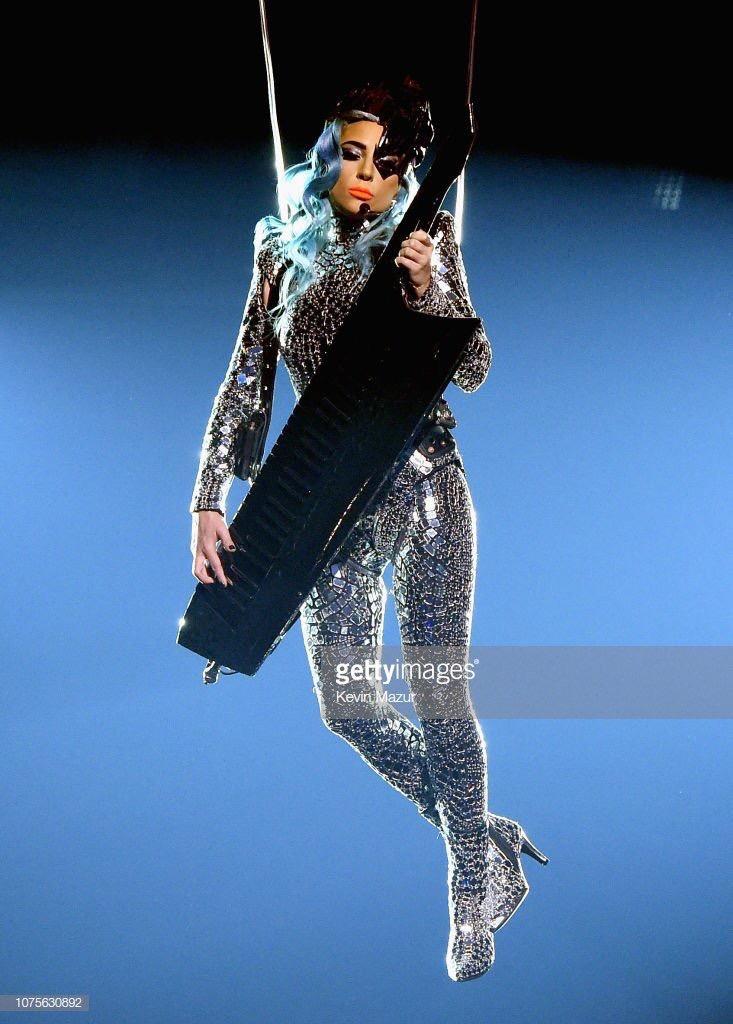 Lady Gaga - Σελίδα 29 F2fc6b10