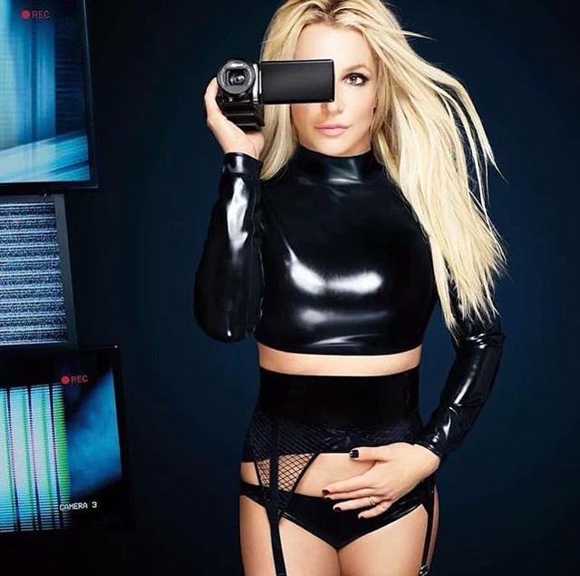 Britney Spears  - Σελίδα 16 F4174e10