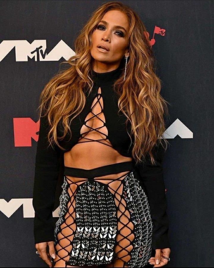 Jennifer Lopez - Σελίδα 19 F54c4010