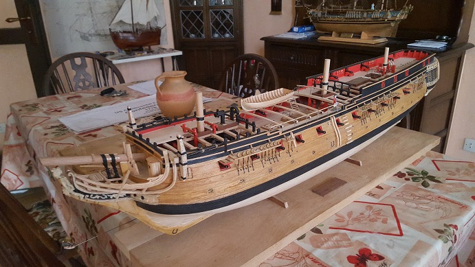 La Confederacy de 1772 au 1/64 par Model Shipways - Page 11 Suite_34