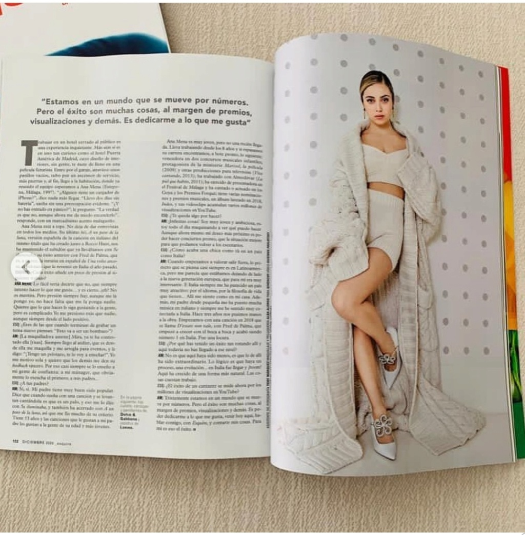 """Ana Mena >> Single """"A un passo dalla luna (Feat. Rocco Hunt)"""" - Página 25 Scree106"""