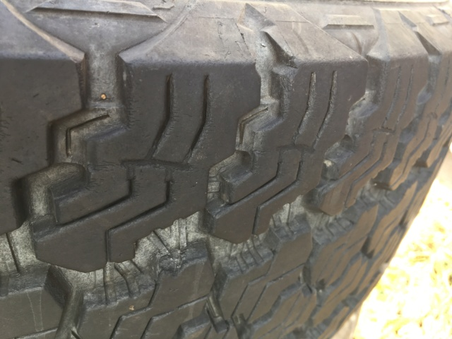3 Gomme GY Silent Armour 255/75 R17 113 T Dbf83c10