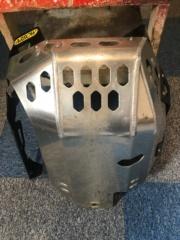 Vends sabot moteur1200 xtz Img_3124