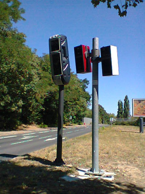 Les Divers Radars en Photos - Page 4 Pic57710