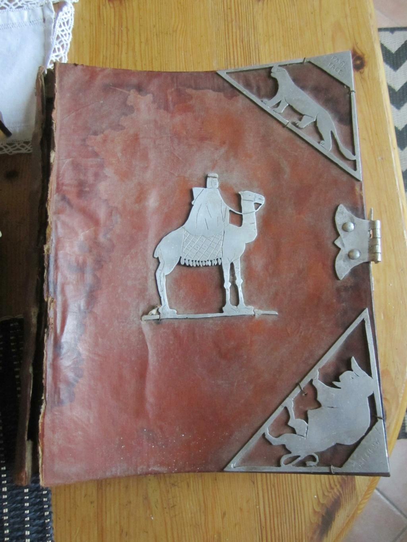 insigne fabrication local sur livre en cuir mehariste?scout? Img_5110