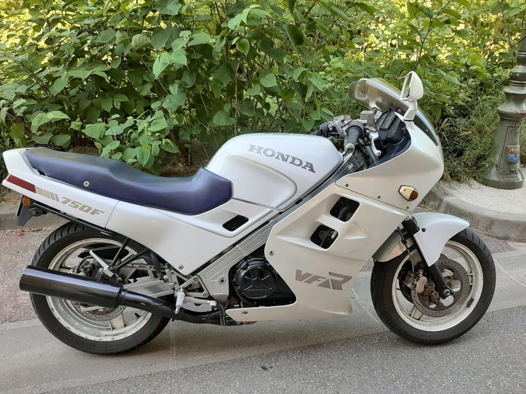 Nouveau venu dans le 69 : voici ma moto !! 750_vf10