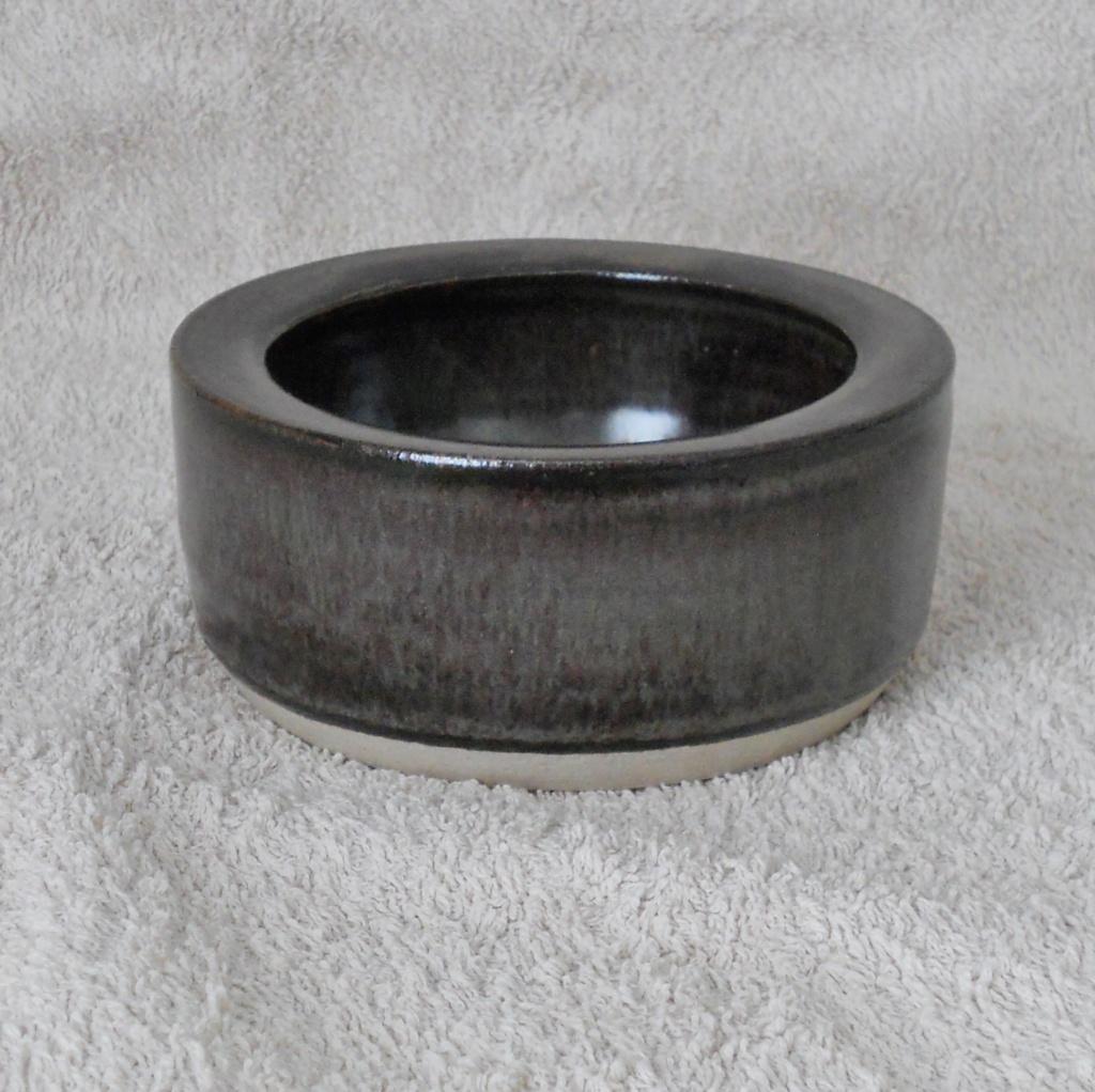 GH mark, Studio Pottery - Graham Hudson  Dscn4810