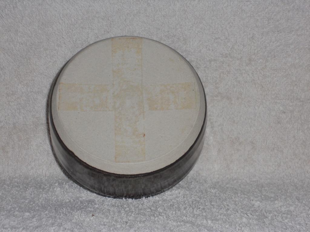 GH mark, Studio Pottery - Graham Hudson  Dscn4812