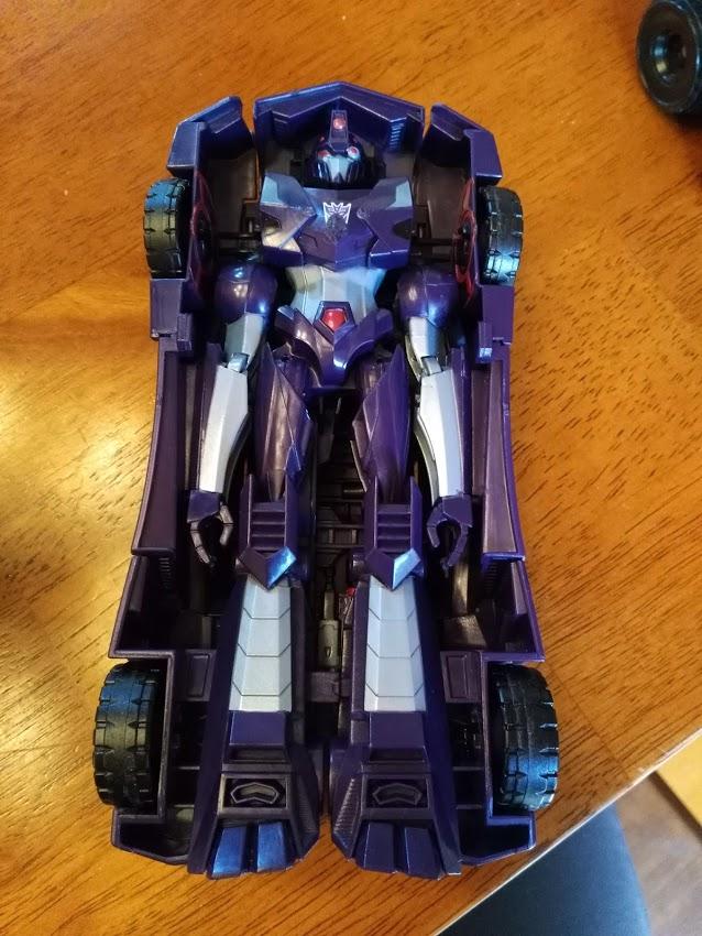 Identification d'un JOUET ou ARME inconnue? (Transformers ou autre) - Page 11 Img_2010
