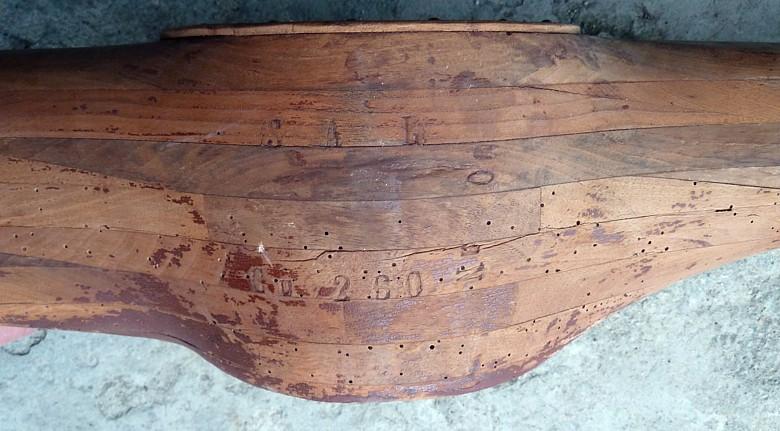 recherche d'informations sur une hélice en bois Dd33-p10