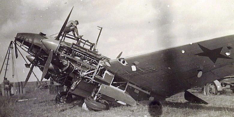 "Petlyakov Pe-2 ""Péchka"" & le 587ème GvBAP Pe2-110"