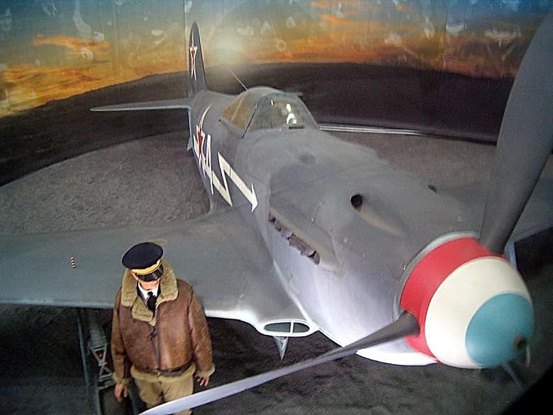 Le Yak-3 du MAE Y01010