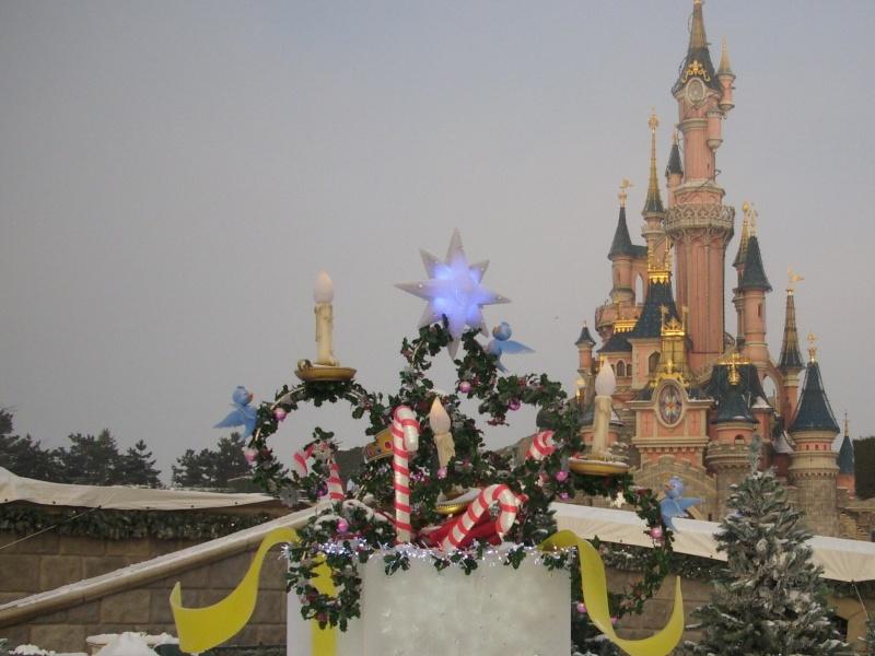 Saison de noël : Le Noël Enchanté Disney du 7 novembre 2011 au 8 janvier 2012 - Page 6 Dsci0112