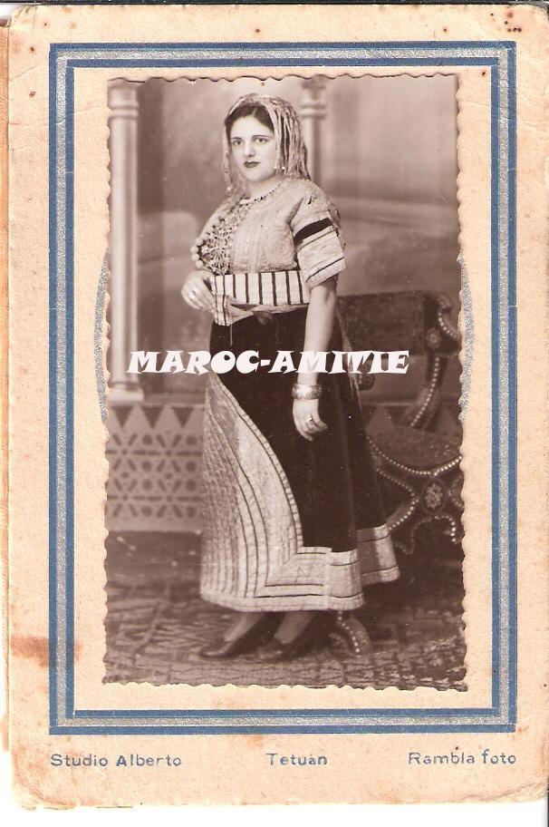 SOIR DU HENNE AVEC  LA KESOUA EL KBIRA (grande robe en arabe) - Page 2 1215