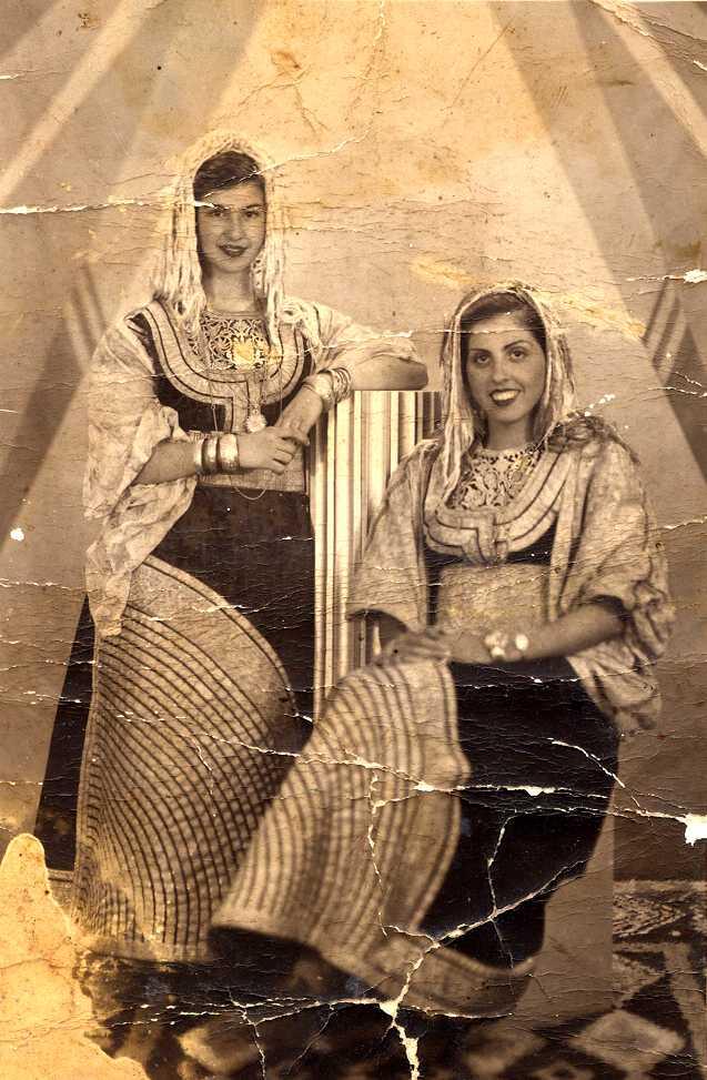 SOIR DU HENNE AVEC  LA KESOUA EL KBIRA (grande robe en arabe) - Page 2 Alegia10