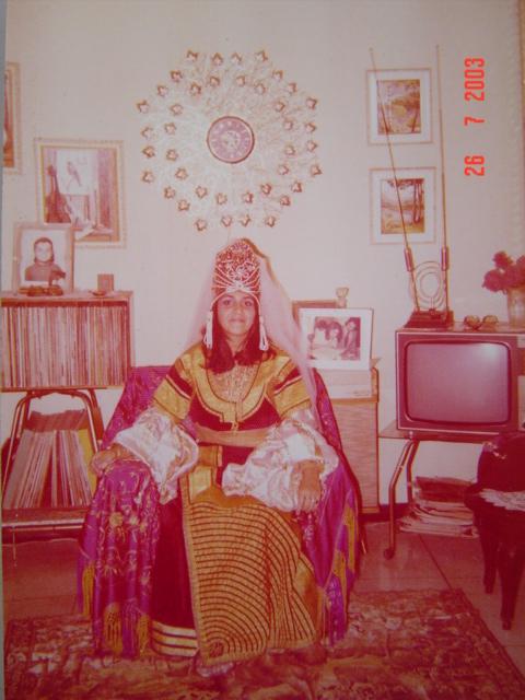 SOIR DU HENNE AVEC  LA KESOUA EL KBIRA (grande robe en arabe) - Page 2 Berber11