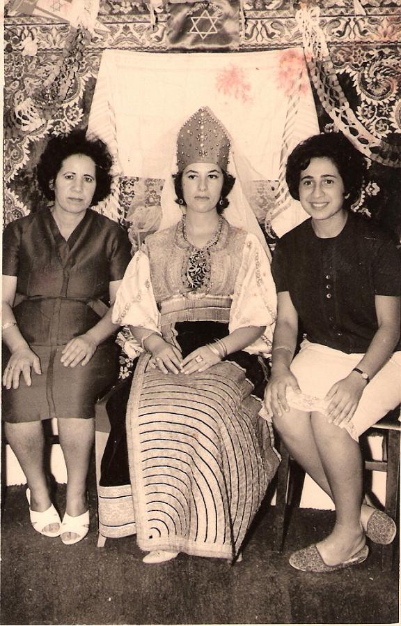 SOIR DU HENNE AVEC  LA KESOUA EL KBIRA (grande robe en arabe) Camila10
