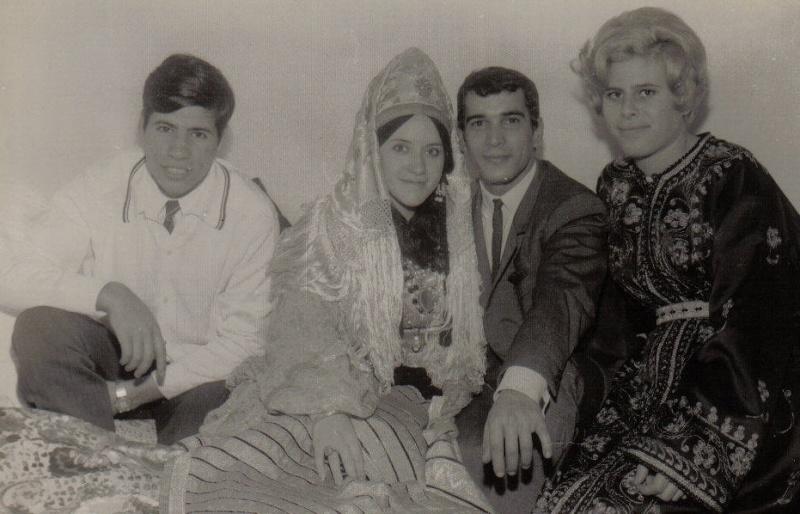 SOIR DU HENNE AVEC  LA KESOUA EL KBIRA (grande robe en arabe) Hina210