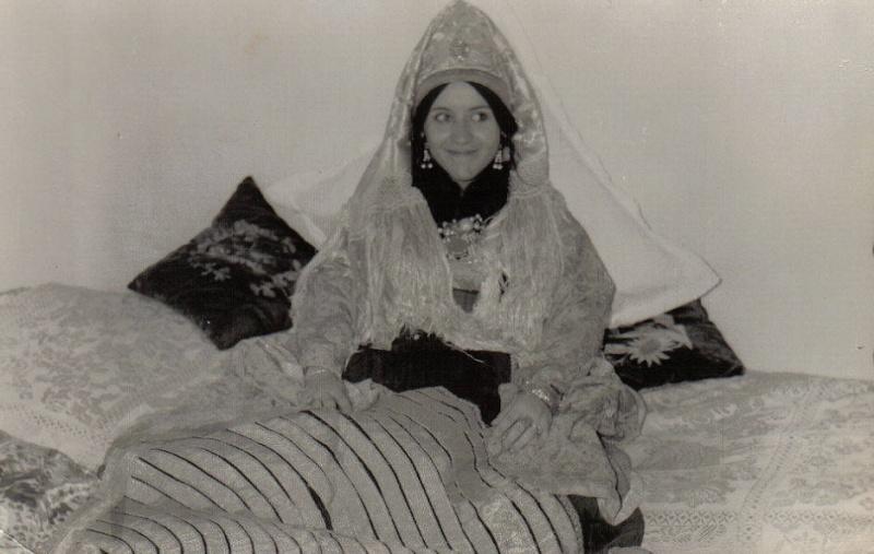 SOIR DU HENNE AVEC  LA KESOUA EL KBIRA (grande robe en arabe) Hina411